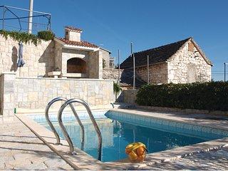 4 bedroom Villa in Siroke, Sibensko-Kninska Zupanija, Croatia : ref 5526687