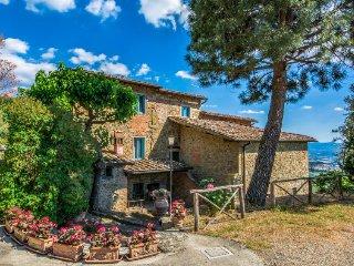 3 bedroom Villa in Castelfranco di Sopra, Tuscany, Italy : ref 5055721