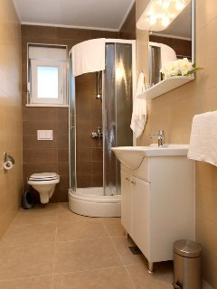 Bathroom 1, Surface: 5 m²