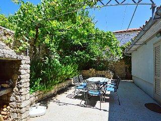 2 bedroom Villa in Osor, Primorsko-Goranska Zupanija, Croatia : ref 5028276