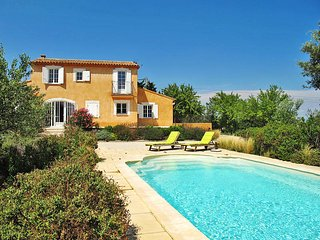 3 bedroom Villa in Pujaut, Occitania, France : ref 5443508
