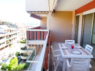 1 bedroom Apartment in Golfe-Juan, Provence-Alpes-Côte d'Azur, France : ref 5396