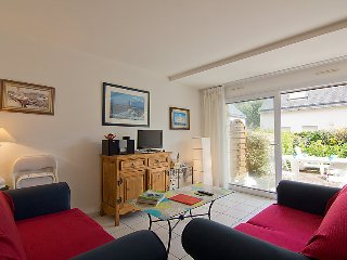 3 bedroom Apartment in Carnac, Brittany, France : ref 5033291