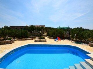 2 bedroom Villa in Povlja, Splitsko-Dalmatinska Zupanija, Croatia : ref 5397021