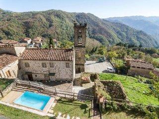 Serini Holiday Home Sleeps 8 with Pool and WiFi - 5696917