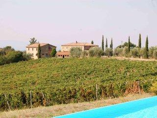 3 bedroom Apartment in Lilliano, Tuscany, Italy : ref 5226787