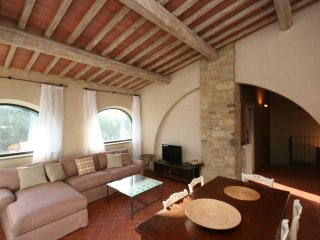 2 bedroom Apartment in Castellina in Chianti, Tuscany, Italy : ref 5241575