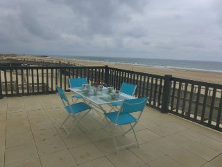 2 bedroom Apartment in Capbreton, Nouvelle-Aquitaine, France : ref 5415912