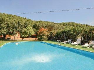 2 bedroom Villa in Casalvescovo, Tuscany, Italy : ref 5537033
