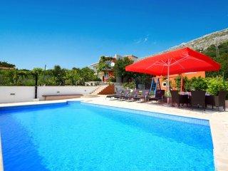 4 bedroom Villa in Visak, Splitsko-Dalmatinska Zupanija, Croatia : ref 5559689