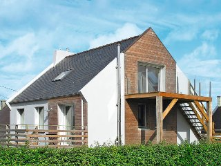 4 bedroom Villa in Cléder, Brittany, France : ref 5438066