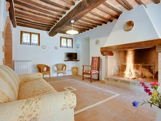 3 bedroom Apartment in Colonna di Grillo, Tuscany, Italy : ref 5055633