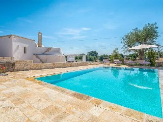 2 bedroom Villa in Traghetto, Apulia, Italy : ref 5570346