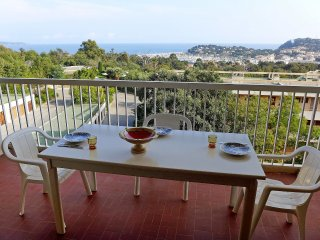 2 bedroom Apartment in Cavalaire-sur-Mer, Provence-Alpes-Cote d'Azur, France : r