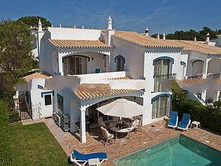 3 bedroom Villa in Vale do Lobo, Faro, Portugal : ref 5000279