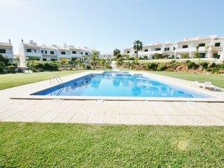 3 bedroom Villa in Albufeira, Faro, Portugal : ref 5455409
