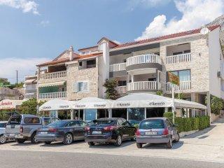 4 bedroom Apartment in Tice, Splitsko-Dalmatinska Županija, Croatia : ref 556222