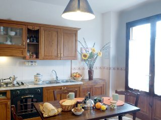 1 bedroom Apartment in Poggibonsi, Tuscany, Italy : ref 5455291