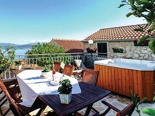 4 bedroom Villa in Igrane, Splitsko-Dalmatinska Zupanija, Croatia : ref 5563478