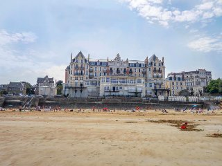 3 bedroom Apartment in Saint-Lunaire, Brittany, France : ref 5452381