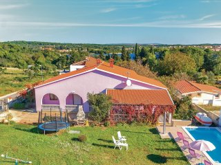 4 bedroom Villa in Pomer, Istarska Županija, Croatia - 5564008