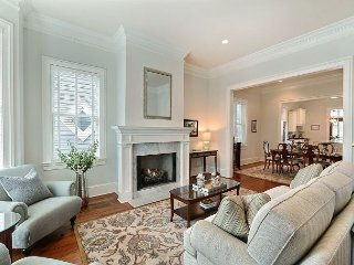 Beautiful 3 Bedroom just steps from Forsyth Park!