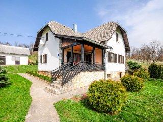 House Marica (81051-K1)