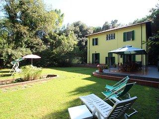 5 bedroom Villa in Marina dei Ronchi, Tuscany, Italy : ref 5240403