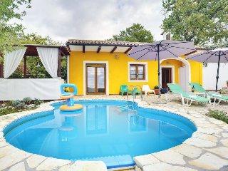 2 bedroom Villa in Labin, Istarska Zupanija, Croatia : ref 5394227