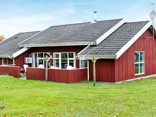 Nordborg Holiday Home Sleeps 10 with Pool and WiFi - 5037152