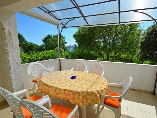 Pinezici Apartment Sleeps 5 with Pool Air Con and Free WiFi - 5472941