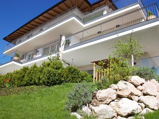 Vacation Rentals Villa Traunsee - Garden Apartment with Lake View
