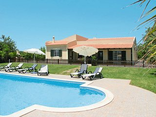 3 bedroom Villa in Carrasqueiro, Faro, Portugal : ref 5434706