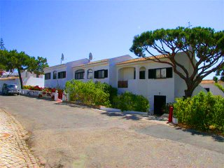 3 bedroom Villa in Vale do Lobo, Faro, Portugal : ref 5480018