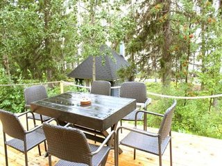 Haukiniemi Holiday Home Sleeps 9 - 5031995