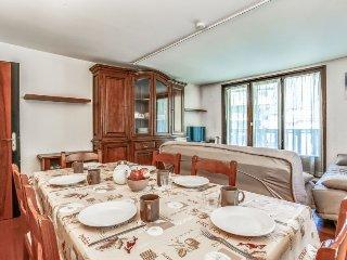 2 bedroom Apartment in Chamonix, Auvergne-Rhône-Alpes, France : ref 5051278