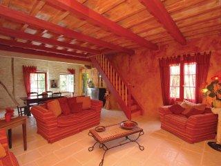 2 bedroom Villa in Saint-Quentin-de-Caplong, Nouvelle-Aquitaine, France : ref 55
