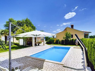 5 bedroom Villa in Lindar, Istarska Županija, Croatia - 5040511