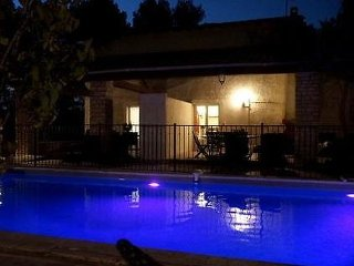 Grans Holiday Home Sleeps 5 with Pool Air Con and WiFi - 5059491