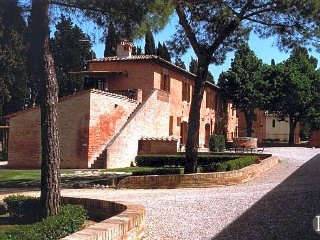3 bedroom Apartment in Siena, Tuscany, Italy : ref 5433404