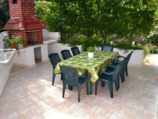 Mirca Apartment Sleeps 7 with Air Con and WiFi - 5461399