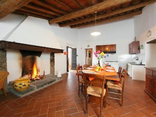 2 bedroom Apartment in Monte San Savino, Tuscany, Italy : ref 5055619
