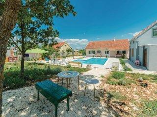 3 bedroom Villa in Pakovo Selo, Sibensko-Kninska Zupanija, Croatia : ref 5532543