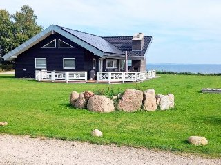 Sarup Holiday Home Sleeps 8 with WiFi - 5035305