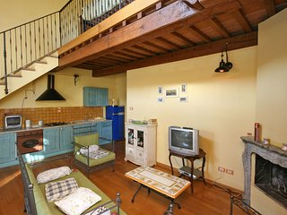 2 bedroom Apartment in Perugia, Umbria, Italy : ref 5241615