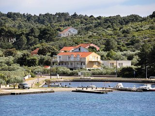 Two bedroom apartment Lumbarda (Korcula) (A-4393-e)