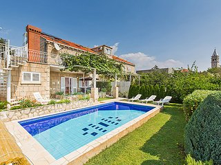 4 bedroom Apartment in Cilipi, Dubrovacko-Neretvanska Zupanija, Croatia : ref 50