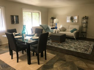 Entire Designer Condo 7 min from Salt Lake International Airport