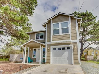 Spacious home just blocks from shops and the beach - perfect for families!