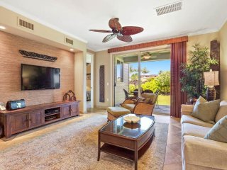 Beautiful golf villa w/ shared pool & hot tub - Beach Club Access & more!
